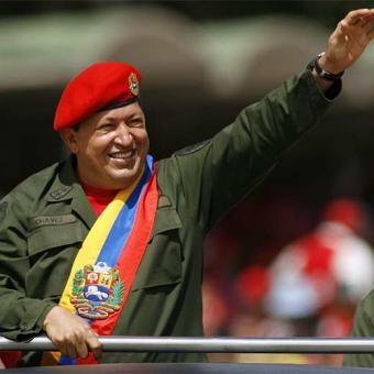 http://portalhispano.files.wordpress.com/2010/03/hugo_chavez-hitler.jpg